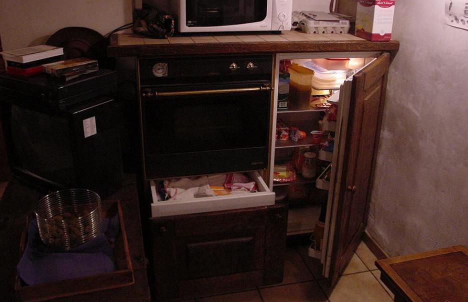 frigo integre. Black Bedroom Furniture Sets. Home Design Ideas